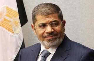 مرسي ''قصر القبة'' للمرة الأولى morsiظ…ط¨طھط³ظ….jpg