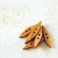 κουμπιά από ξύλο ελιάς