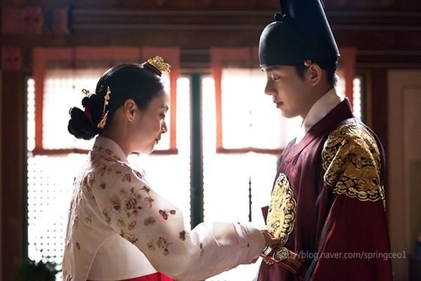 Nhà vua muốn có con với Jang Ok Jung (Kim Tae Hee) 1