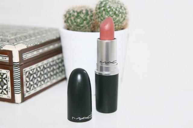 Katherine Penney Chic Beauty Makeup MAC Lipstick Matte Duty Free Velvet Teddy Kylie Jenner Pretty Minimal Modern
