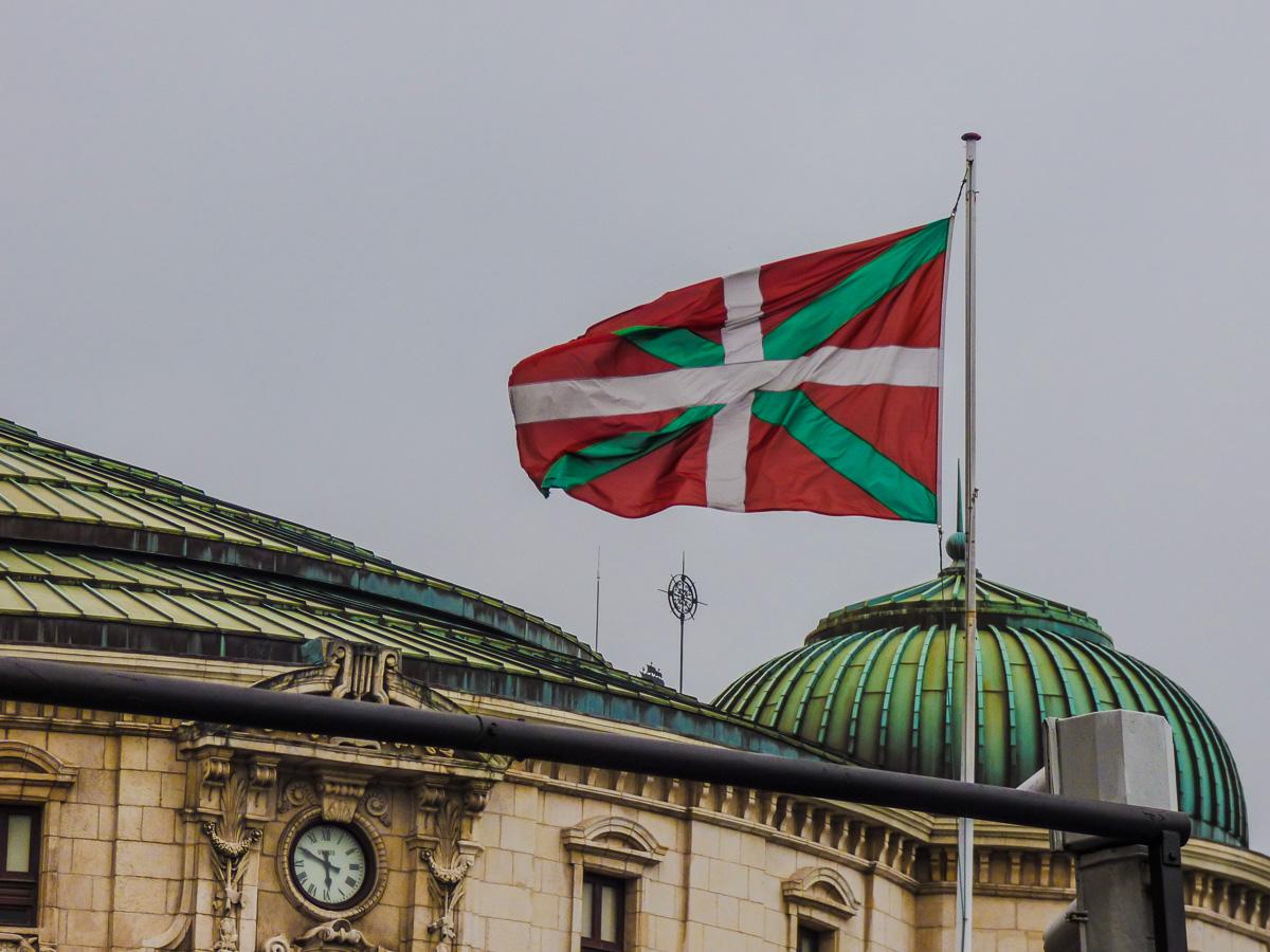 røde og grønne flagg