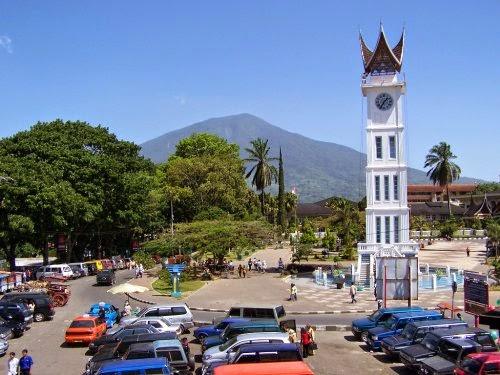 Jam Gadang - Landmark Termasyhur dari Bukittinggi