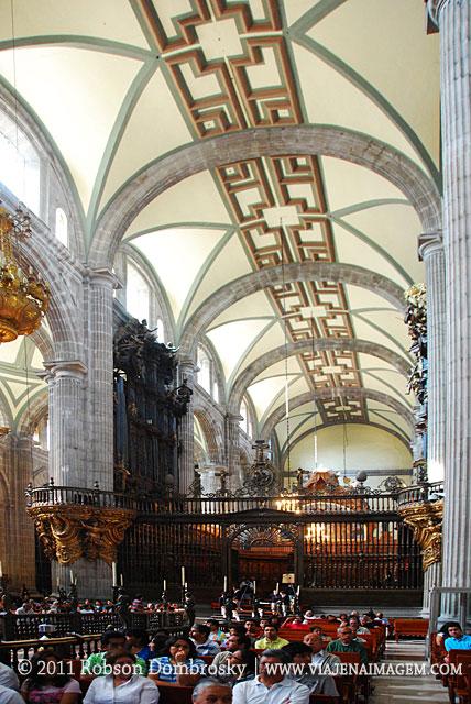 nave principal da catedral da cidade do mexico