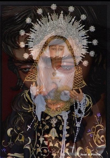 Nuestra Señora de la Aurora,con el Señor de Badajoz