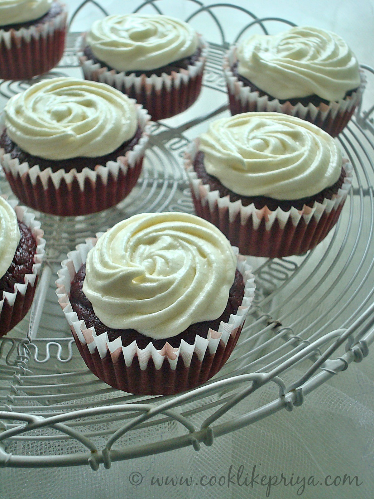 Eggless Butterless red velvet cupcake
