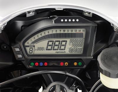 Honda CBR 1000 RR_d.jpg