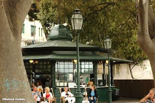 Fotografia do quiosque no Miradouro Principe Real em Lisboa