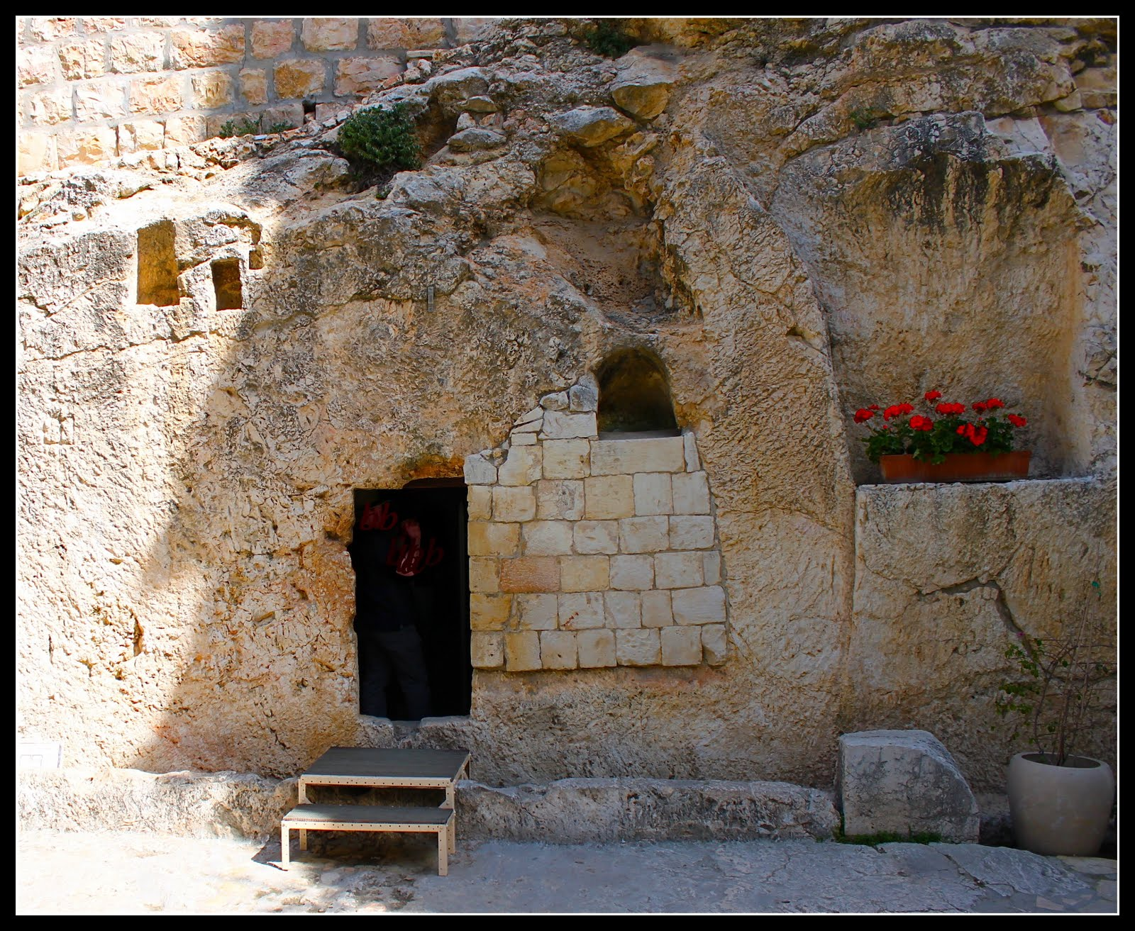 tomb of jesus found essay 2018-3-23 relive the resurrection of jesus christ in this brief summary of the bible story with scripture  the stone was not rolled away from the tomb so jesus.