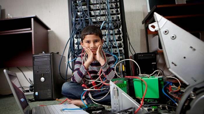 Ayan Qureshi, Spesialis IT Termuda di Dunia