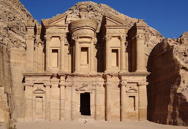 7 Wonders of the World Petra_Jordan_BW_36