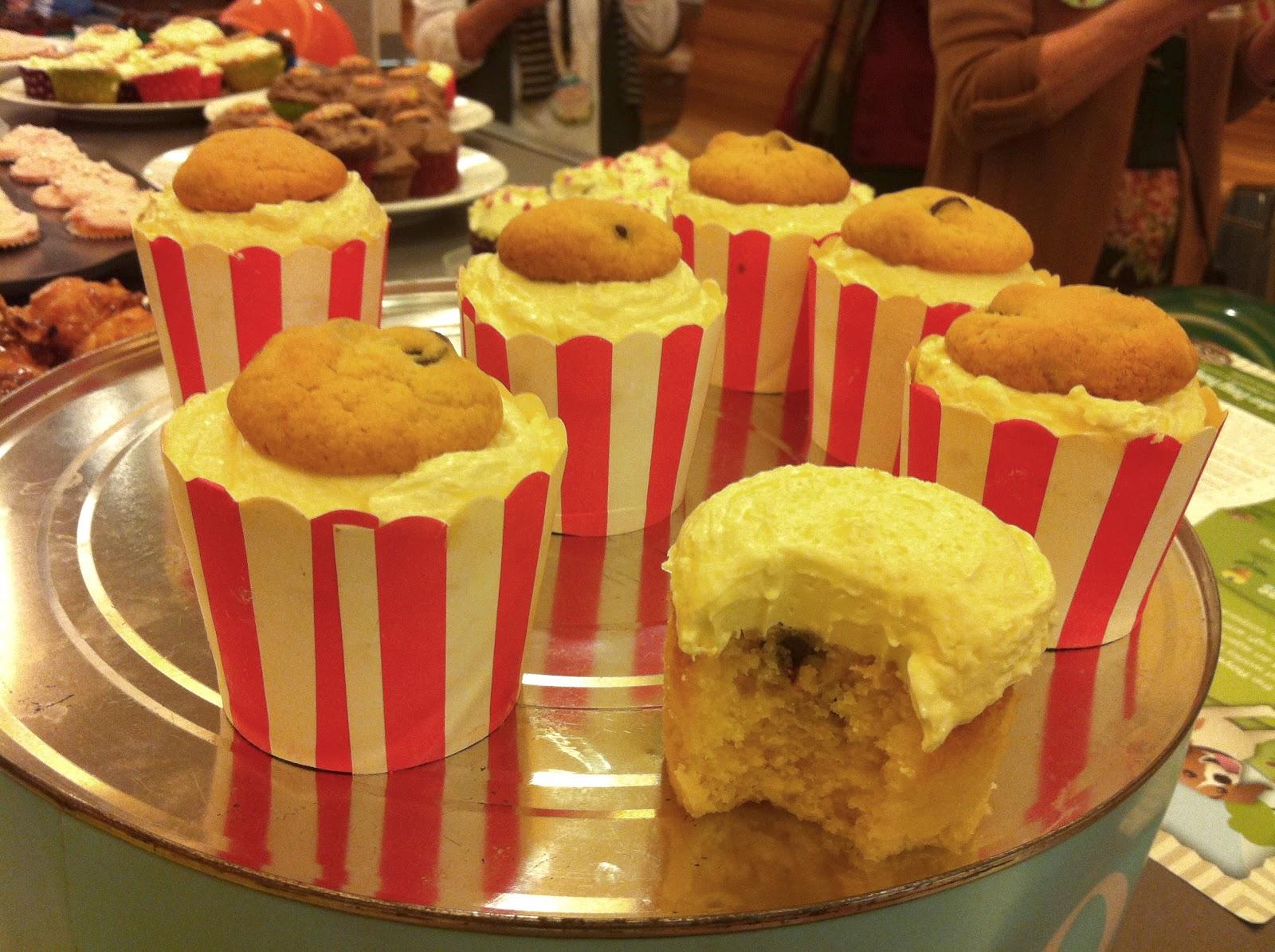 http://weekend-mummy.blogspot.com.au/2012/08/happy-rspca-cupcake-day.html