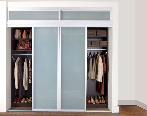 Small Closet with Sliding Doors 500 x 396