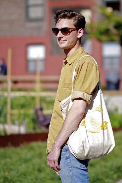 Seattle Street Style Ted Ripple Capitol Hill Fashion Lemon Print Tote