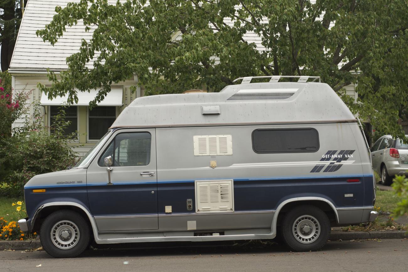 Old Parked Cars 1986 Ford Getaway Van