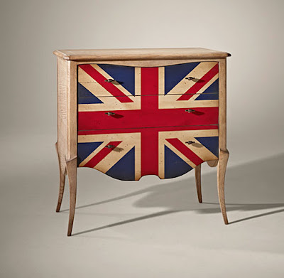 http://www.portobellostreet.es/mueble/27527/Comoda-3-cajones-Vintage-Parati