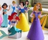 http://www.villartedesign-artesanato.com.br/2014/12/7-princesas-da-disney-com-moldes-para.html
