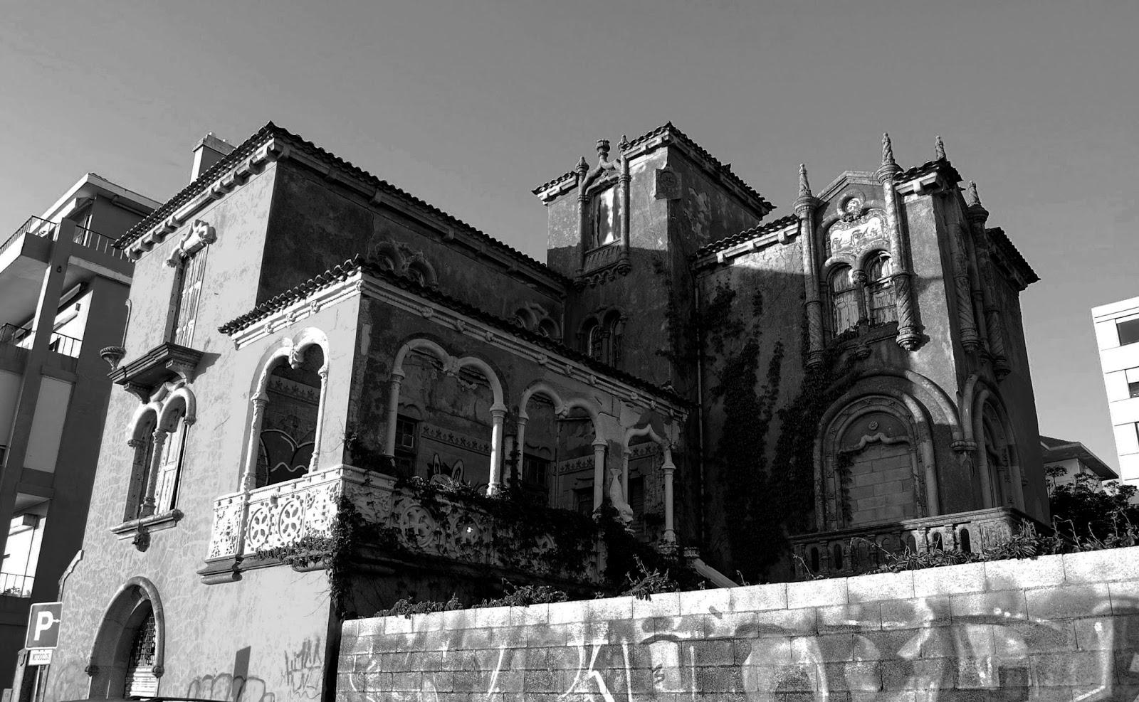 29575253d3f Casa Neomanuelina da Foz ~ Porto Sombrio