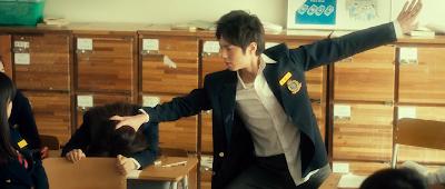 Runway_cop_Detective_Cha