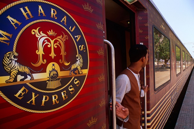 Choose from Special Departure in Aprilr to Live a Maharaja Life!