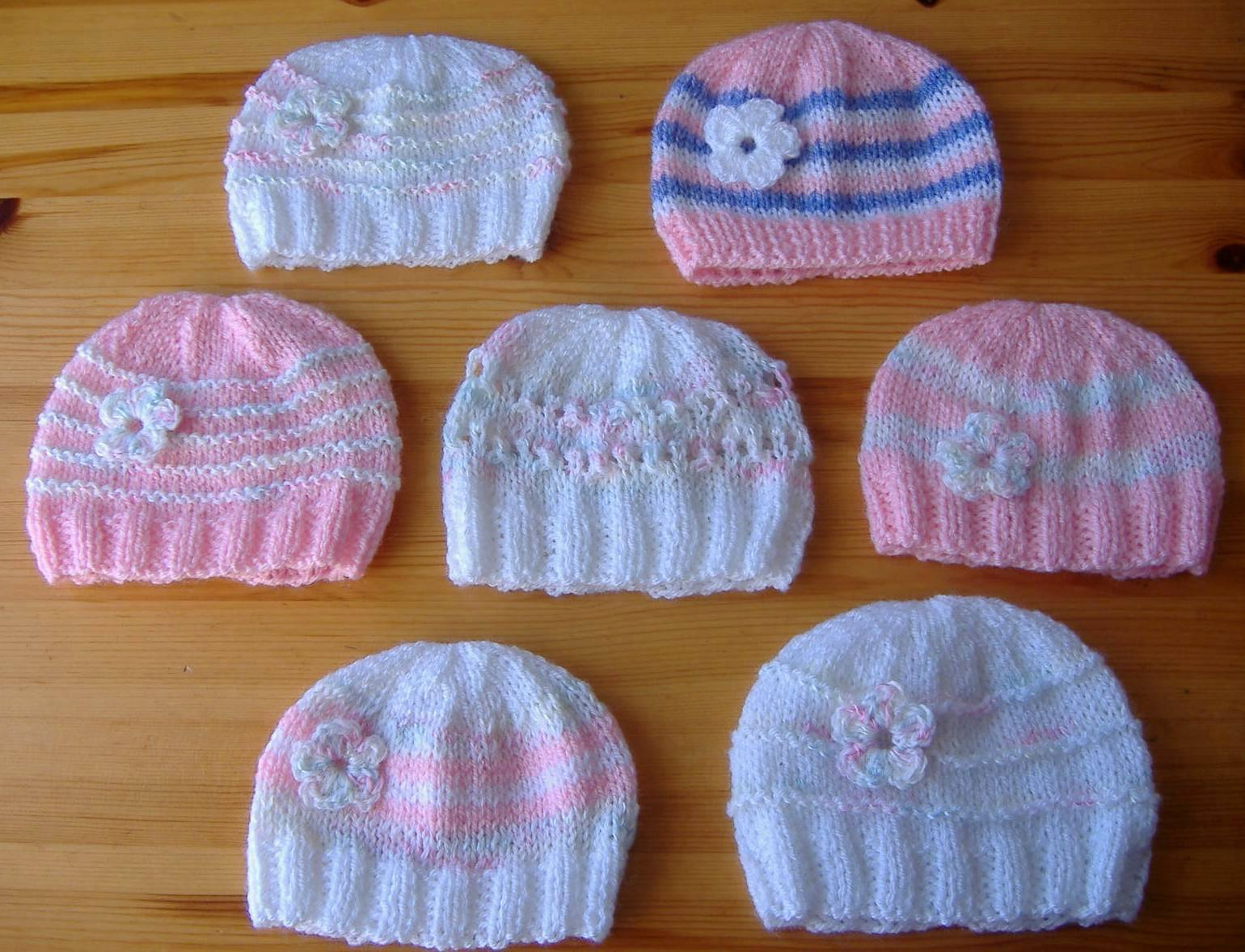 Easy Knitting Patterns For Beginners Baby Hats : mariannas lazy daisy days: Knitted Baby Girl Hats