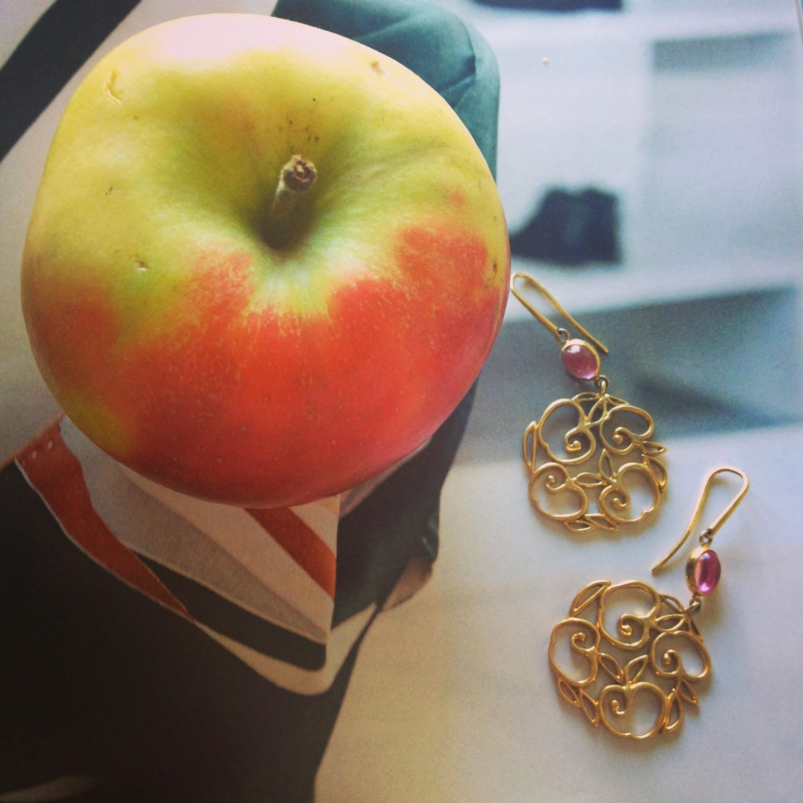 fashion-bridge, fashion bridge blog, www.fashion-bridge.blogspot.com apple earrings, earrings by Jak Joten, Tres Jewellery, silver earrings, goldplated earrings, earrings Tres Jewellery, shop Jak Joten, shop apple earrings