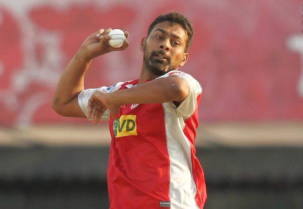 Praveen-Kumar-KXIP-vs-RR-IPL-2013