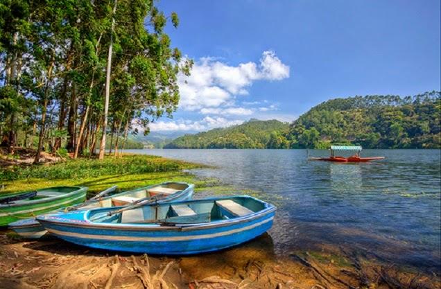 Kundala Lake in Munnar