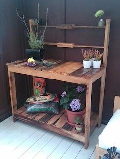 Giardiniera tavolo per riporre i vasi di fiori