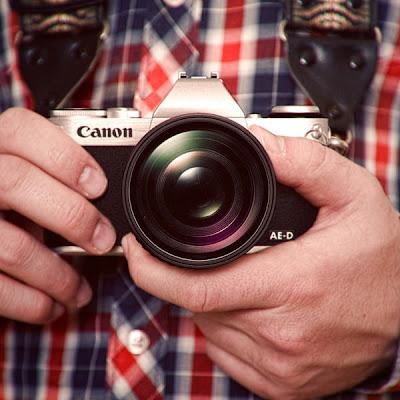 Fotografia della Canon mirrorless secondo il designer David Riesenberg