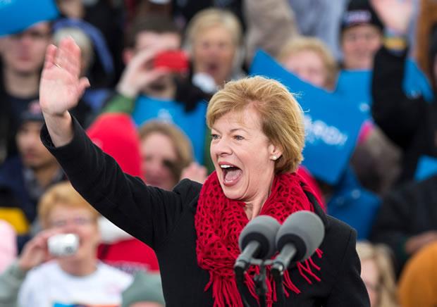 Democrata do Wisconsin será a primeira senadora lésbica dos EUA (Foto: Jezebel)