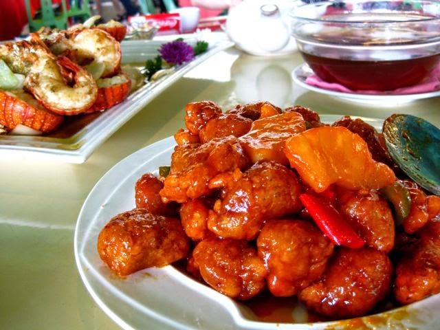 Райский остров Ламма (Гонконг) и Rainbow Seafood Restaurant, свинина в кисло-сладком соусе
