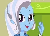 Equestria-Girls-Trixie-My-Little-Pony