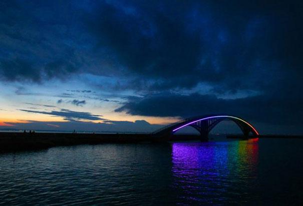 منظر غاية فى الروعة والجمال :- جسر تايوان الساحر