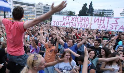 Grécia: Centenas de pessoas na rua para manifestação contra novas medidas de austeridade