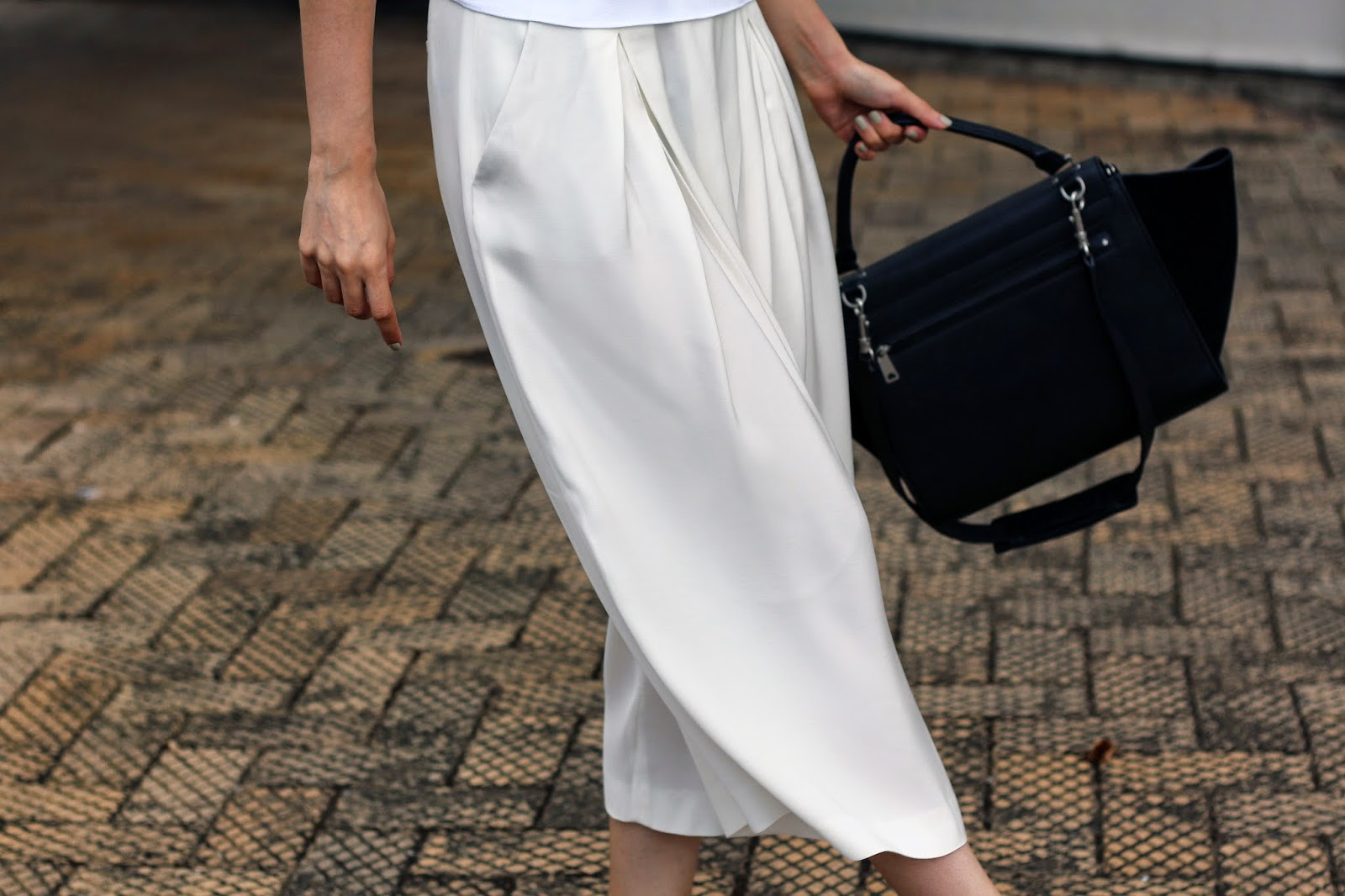 I'M WEARING ZARA PALAZZO PANTS AND CELINE TRAPEZE