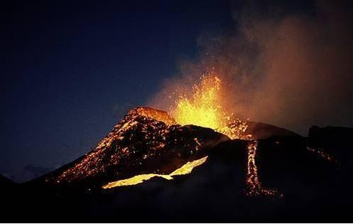 Ecolog a fenomenos naturales erupciones volc nicas for Temperatura lava