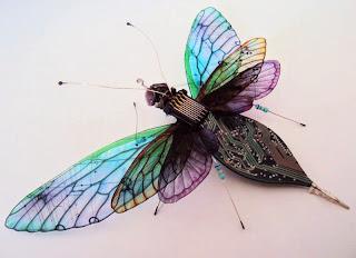 Collection d'Insectes avec des  Pièces Électroniques Recyclés