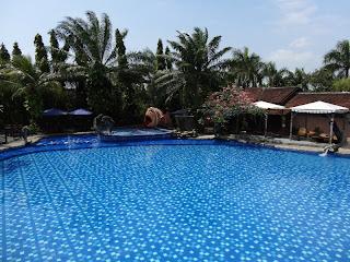 Bukit Daun Hotel Pool