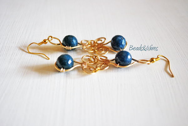 orecchini in parure blu