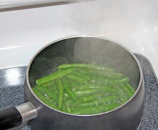 blanching green beans