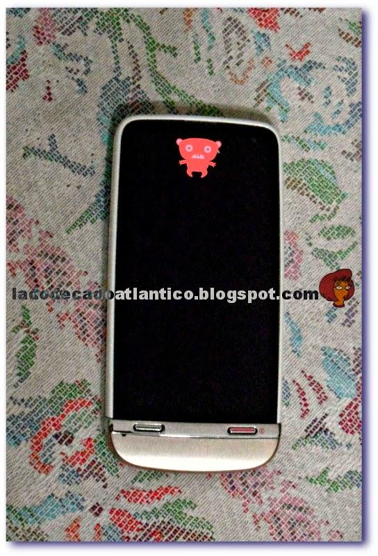 Imagem de um smartphone Nokia Asha 311