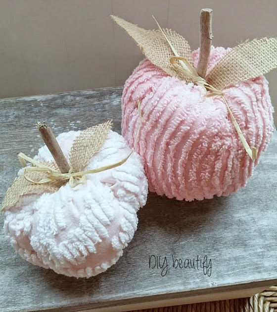 Shabby Chenille Pumpkins with burlap leaves at www.diybeautify.com