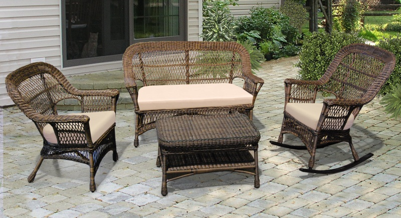 Traditional wicker patio furniture furniture design for Outdoor furniture wicker