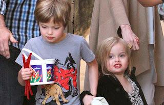 Vivienne Jolie-Pitt, 3, Wearing Lipstick