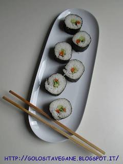aceto di riso, alga nori, Antipasti, carote, cereali, cetrioli, Etnico, Finger Food, giapponese, maki, malto, ricette vegan, riso, Salutiamoci, sushi, tamari, zenzero, zucchine,