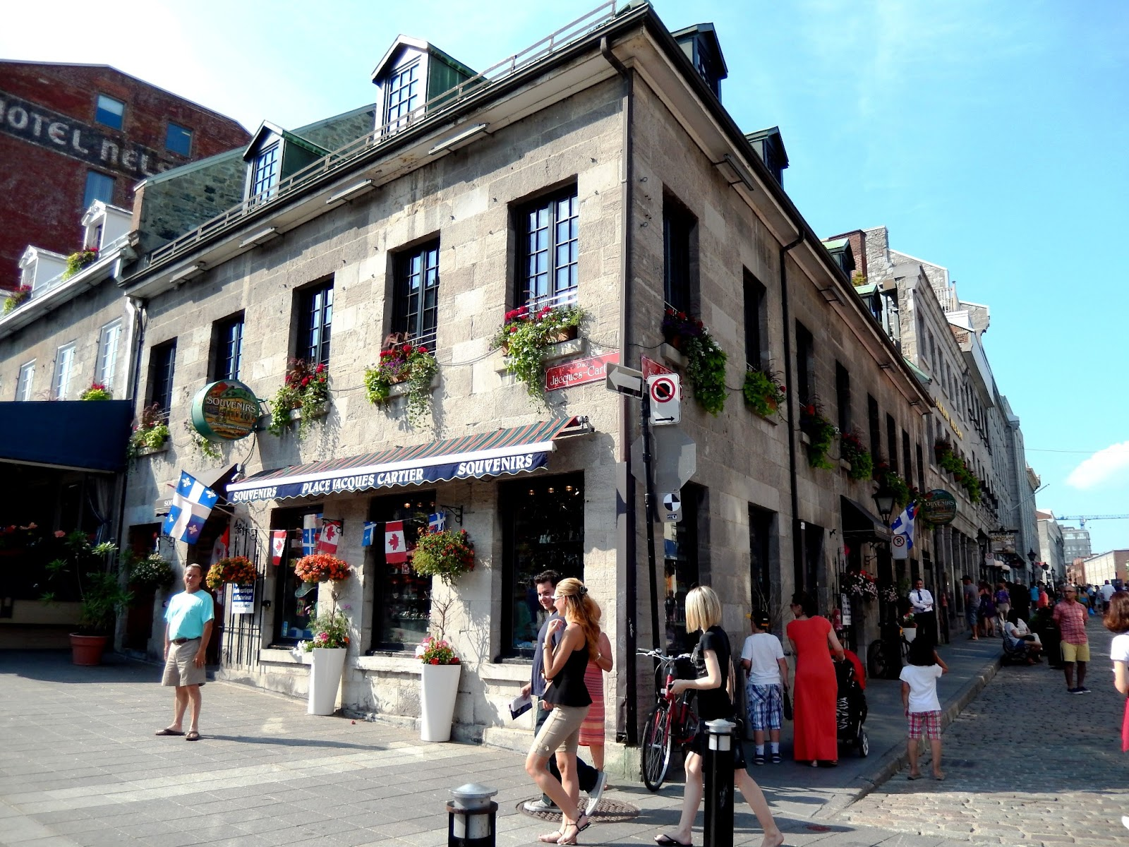 Sightseeing in montreal quebec canada honey whats for Restaurant jardin montreal