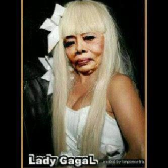 ... heboh foto Lady Gaga cium Habib Riziq beredar . Kasih komentar ya