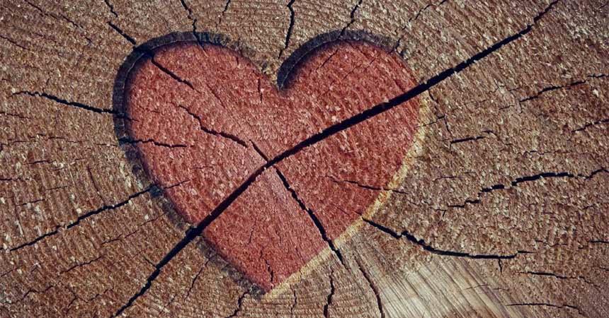 corazón en madera