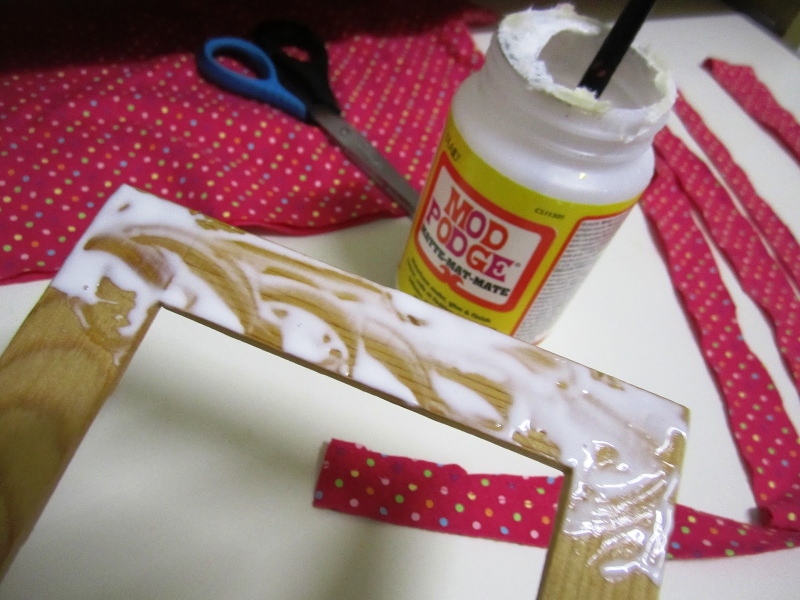 Bee's And San's: DIY : Fabric Wrapped Frames