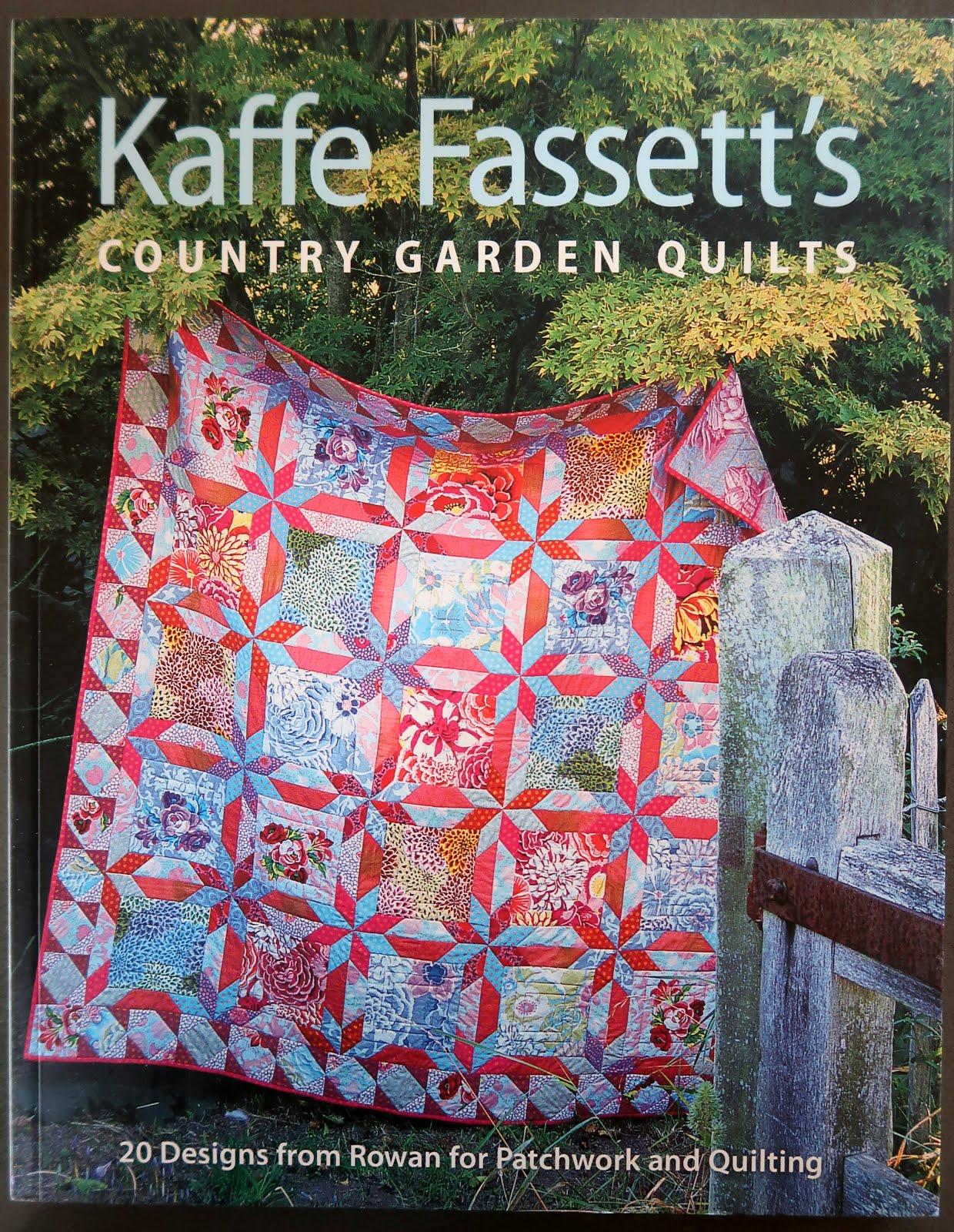 Kaffe Fassett's Country Garden Quilts (click!)